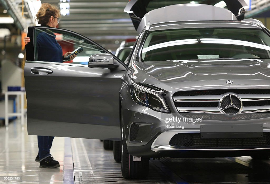 Luxury automobile manufacture at daimler ag 39 s mercedes for Mercedes benz employee