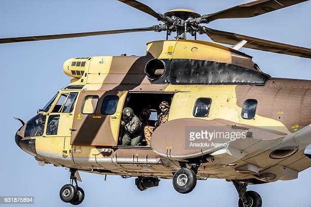 Elicottero Puma : Elicottero bimotore foto e immagini stock getty images