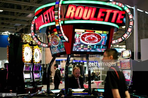 Global draw roulette machines