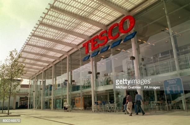An exterior view of the Tesco supermarket in West Kensington West London 6/1/03 Competition among supermarket groups is set to hot up this week after...