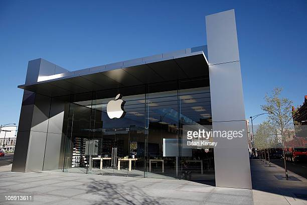 An exterior view shows the new Apple Store on October 21 2010 in Chicago Illinois The new store opens on October 23 in Lincoln Park a part of the...