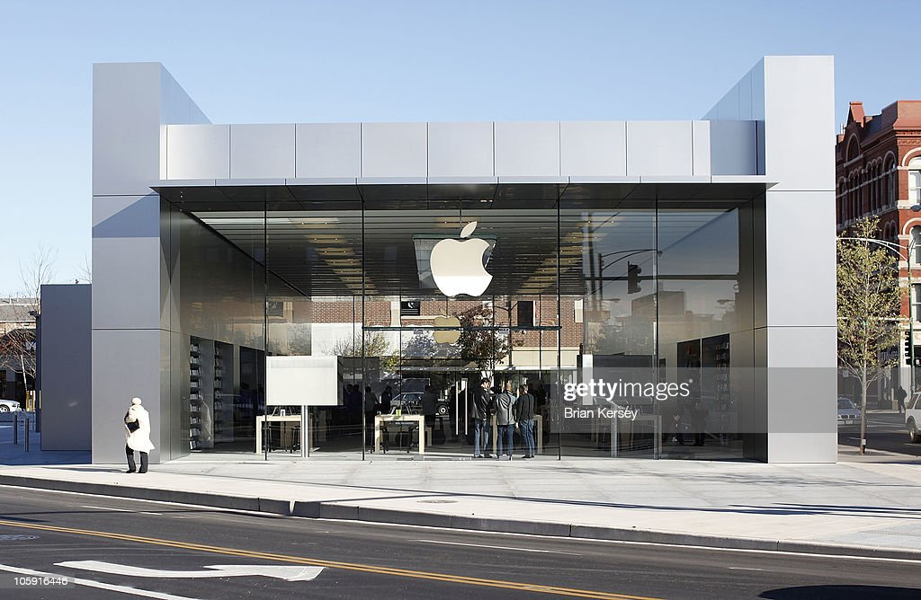 An exterior view shows the new Apple Store on October 21, 2010 in Chicago, Illinois. The new store opens on October 23 in Lincoln Park, a part of the city's Near North Side that has been trendy for several years.