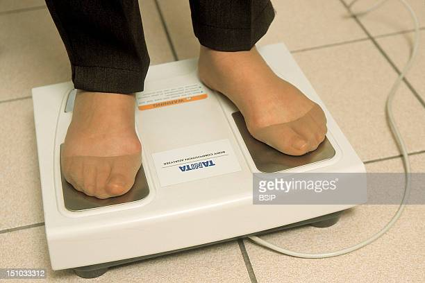 An Impedancemeter Measures Body Composition And Its Proportions Of Lean Body Mass Fat Body Mass And Bodily Water