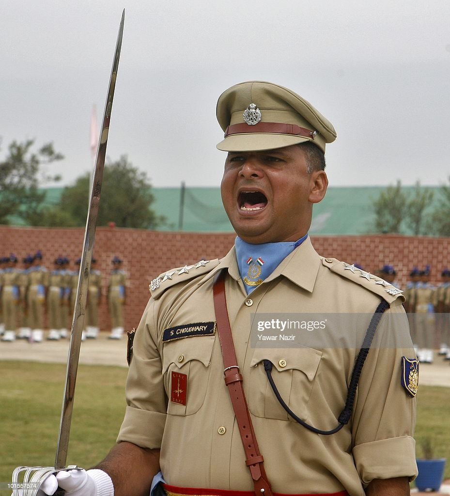 An Indian police offic...