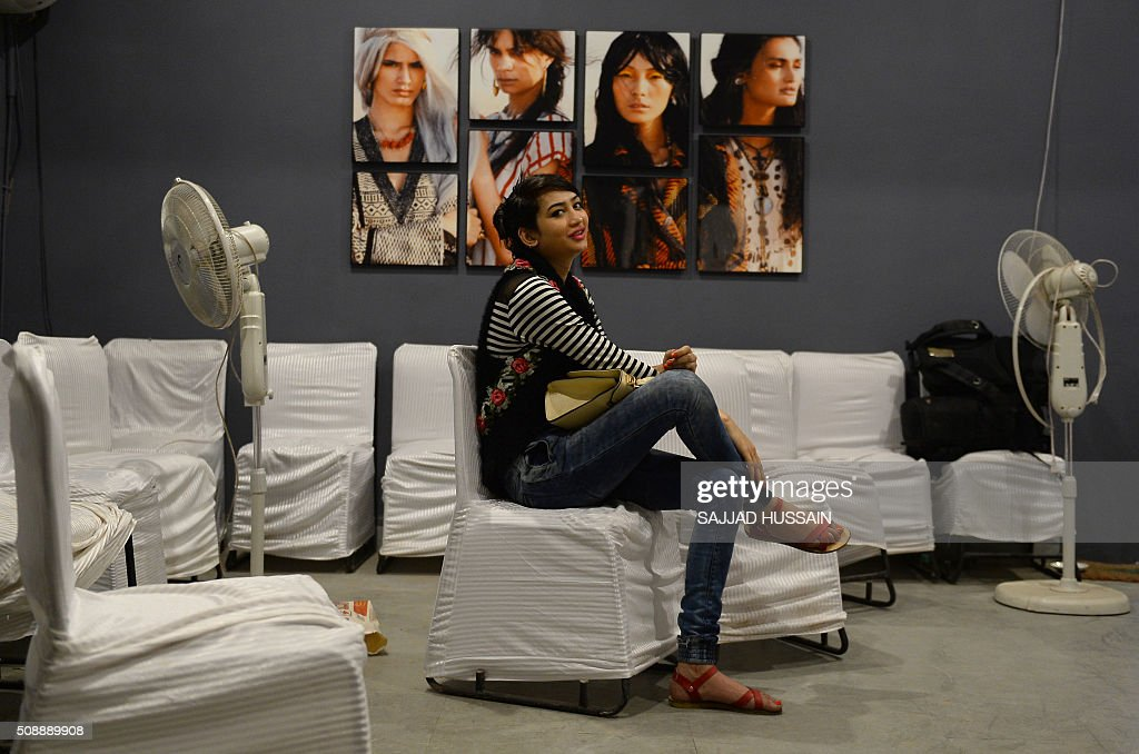 An Indian transgender model waits for an audition in New Delhi on February 7, 2016. A non-profit group conducted the first of its kind modelling auditions for transgenders,who often live on the extreme fringer of India's culturally conservative society,sometimes falling into prostitution and begging. AFP PHOTO / SAJJAD HUSSAIN / AFP / SAJJAD HUSSAIN