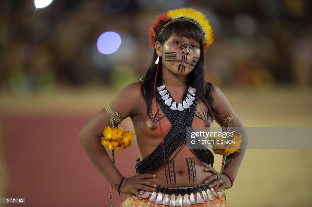 An indigenous woman from French Guyana takes part in the indigenous beauty contest of the I World Indigenous Games in Palmas Tocantins on October 24...