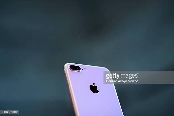 An Iphone 7 Plus with its new dual camera is displayed at Puerta del Sol Apple Store the day the company launches their Iphone 7 and 7 Plus on...