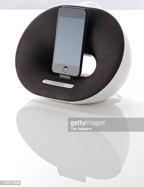 An iPod Touch 4G mounted on a Philips Fidelio DS3020 speaker dock session for Tap on September 29 2011