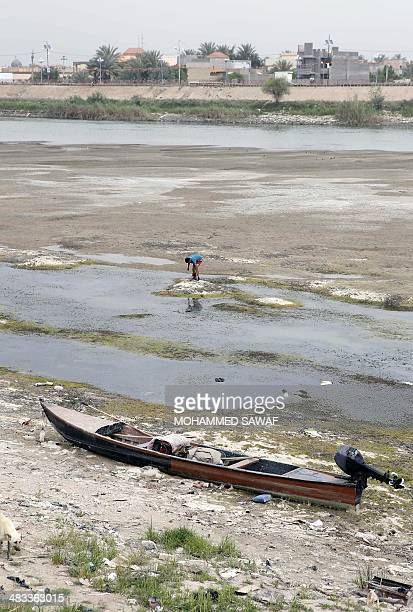 Euphrates River Drying Up Frot Men Stock Photos ...