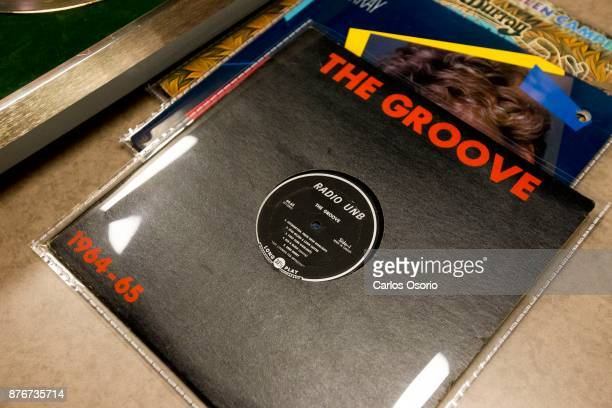 TORONTO ON NOVEMBER An LP which featured Anne Murray produced by the University of New Brunswick This is the first time Anne appeared on vinyl Anne...