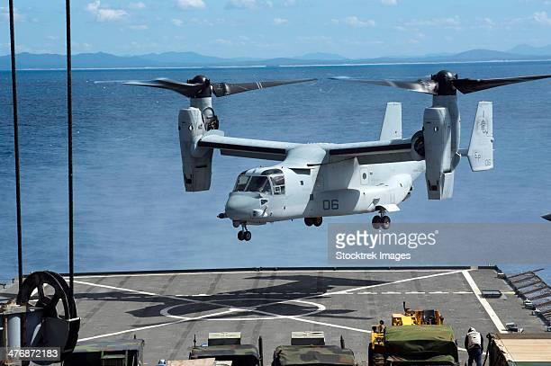 An MV-22 Osprey lands on the flight deck of USS Germantown.