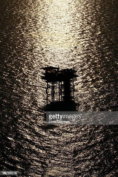 An oil rig near the Deepwater Horizon wellhead in the Gulf of Mexico on April 28 2010 near New Orleans Louisiana An estimated leak of 1000 barrels of...