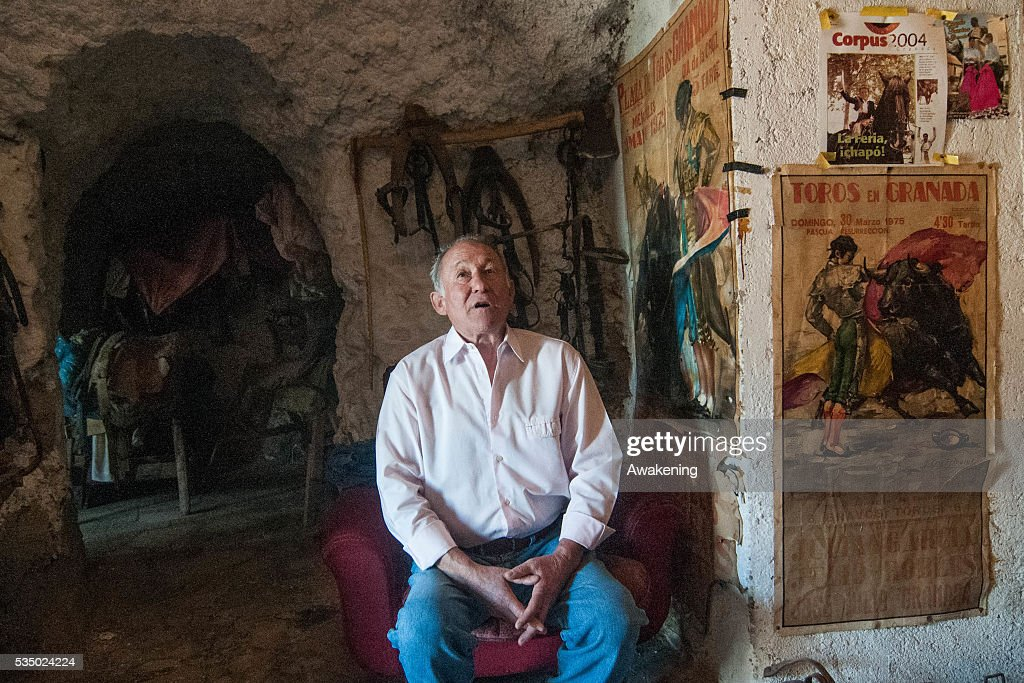 An old gipsy still living in Sacromonte caves that was a picador in the past Now his cave is like a museum Sacromonte area in Granada december 2015...