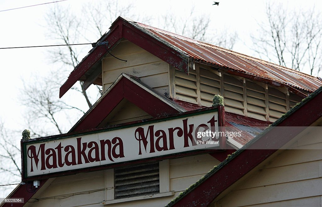 An old sign for the Matakana Famers Market is displayed in Matakana October 11, 2008 near Auckland, New Zealand. Farmers markets in New Zealand are rapidly growing in popularity as people seek more healthy, fresh and nutritious alternatives to supermarket food.