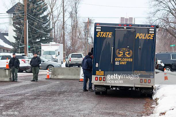 An Oregon State Police Explosives Unit vehicle parks at the Harney County Courthouse in Burns Oregon on January 28 2016 A convoy of armoured vehicles...