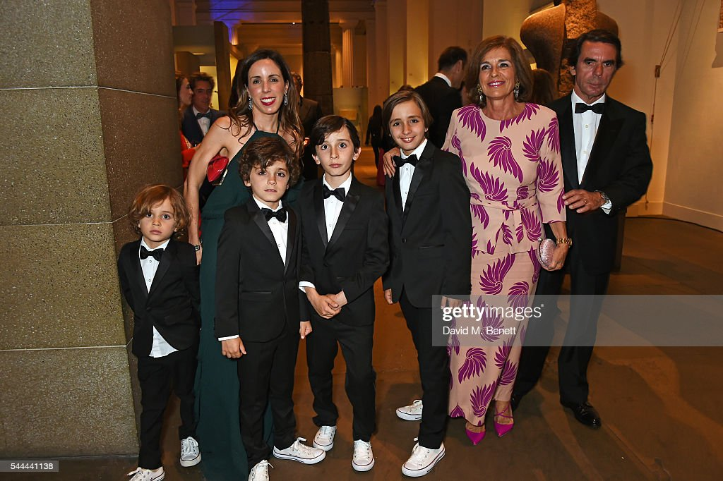Ana Aznar Botella poses with sons Alonso Agag Alejandro Agag Pelayo Agag and Rodrigo Agag and parents Ana Botella and Jose Maria Aznar at the 2016...