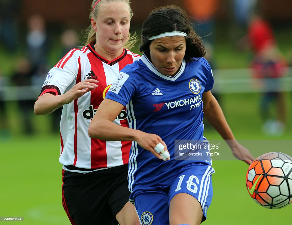 Ana Borges of Chelsea (R) shields the ball from Beth Mead of Sunderland during the WSL 1 League match between Sunderland Ladies and Chelsea Ladies FC at the Hetton Center on June 29, 2016 in Hetton, England.