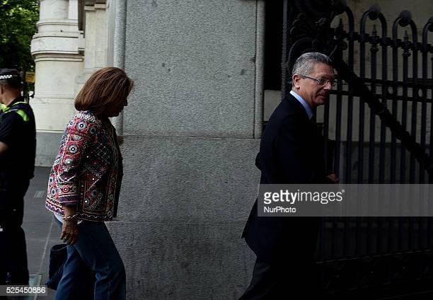 Ana Botella and Alberto Ru��z Gallard��n at his entry to Cibeles's Palace Manuela Carmena Ahora Madrid candidate elected mayor of Madrid with the...