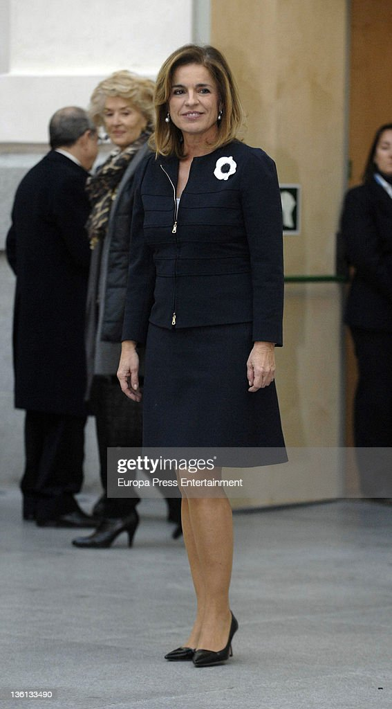 Ana Botella attends her investiture as Madrid mayor during a ceremony at Palacio de Correos on December 27 2011 in Madrid Spain Ana Botella is the...
