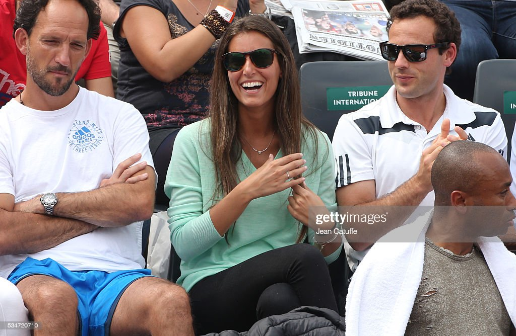 <a gi-track='captionPersonalityLinkClicked' href=/galleries/search?phrase=Ana+Boyer&family=editorial&specificpeople=4043272 ng-click='$event.stopPropagation()'>Ana Boyer</a> Preysler supports her boyfriend Fernando Verdasco of Spain during his match against Kei Nishikori of Japan on day 6 of the 2016 French Open held at Roland-Garros stadium on May 27, 2016 in Paris, France.