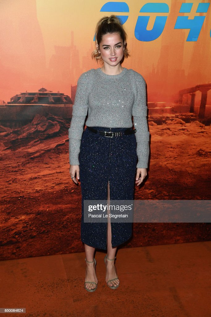 Ana De Armas attends the 'Blade runner 2049' photocall at Hotel Le Bristol on September 20, 2017 in Paris, France.
