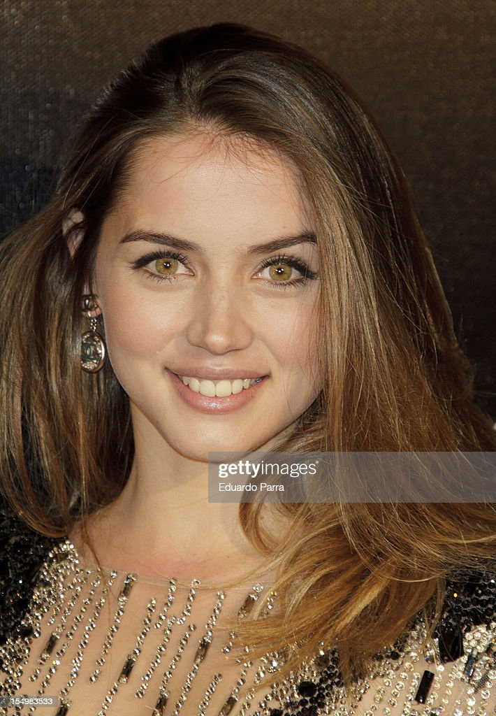 Ana de Armas attends the 'Skyfall' photocall premiere at Santa Ana Square on October 29, 2012 in Madrid, Spain.