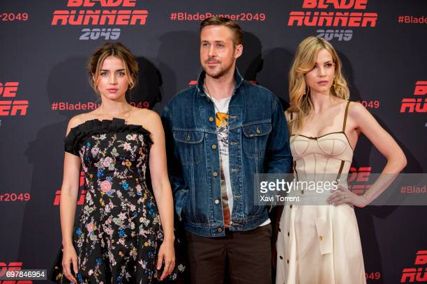 Ana de Armas Ryan Gosling and Sylvia Hoeks attend 'Blade Runner 2049' photocall at Arts Hotel on June 19 2017 in Barcelona Spain
