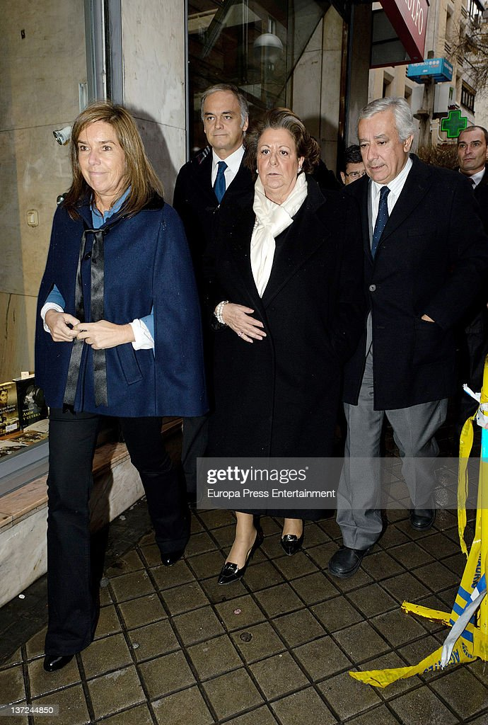 Ana Mato Esteban Gonzalez Pons Rita Barbera and Javier Arenas attend the funeral chapel for Manuel Fraga Iribarne on January 16 2012 in Madrid Spain...