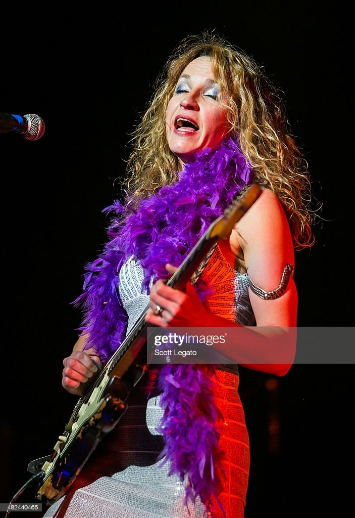 <a gi-track='captionPersonalityLinkClicked' href=/galleries/search?phrase=Ana+Popovic&family=editorial&specificpeople=4123531 ng-click='$event.stopPropagation()'>Ana Popovic</a> performs during the Experience Hendrix 2014 Tour at The Fox Theatre on April 3, 2014 in Detroit, Michigan.