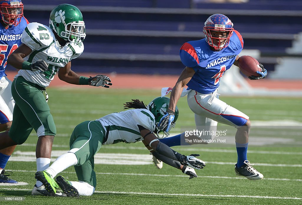 Anacostia WR Don'Tae Lee breaks free for etra yards during 1st half action against Wilson during the DCIAA football semifinals on November. 10, 2012 in Washington, DC