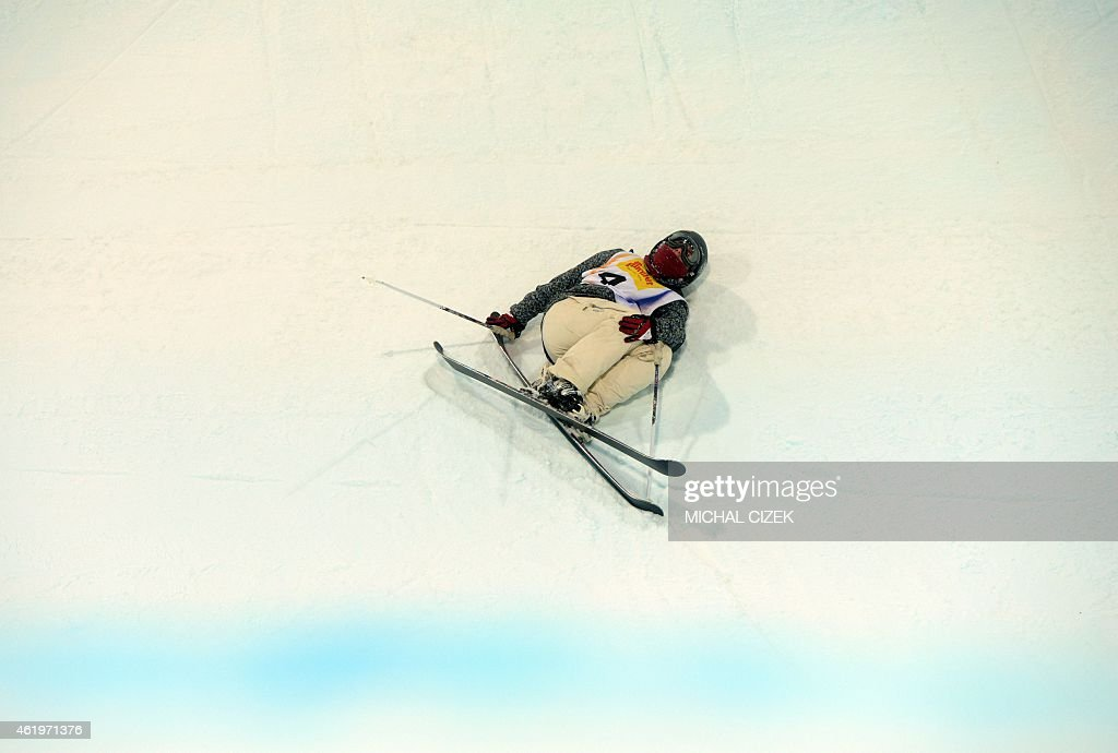 Anais Caradeux of France lays injured in the u-ramp after falled during the Women's Ski Halfpipe Final at FIS Freestyle and Snowboarding World Ski Championships 2015 in Kreischberg, Austria on January 22, 2015. Virginie Faivre of Switzerland won ahead Cassie Sharpe of Canada and Mirjiam Jaeger of Switzerland. AFP PHOTO / MICHAL CIZEK