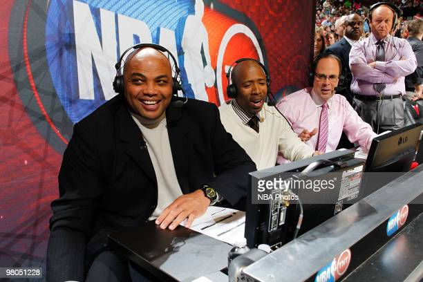 TNT Analysts Charles Barkley Kennie Smith and Ernie Johnson talk during halftime of the NBA game between the Miami Heat and the Chicago Bulls on...