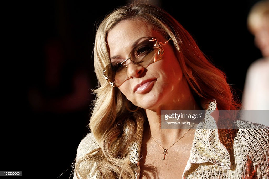<a gi-track='captionPersonalityLinkClicked' href=/galleries/search?phrase=Anastacia&family=editorial&specificpeople=202954 ng-click='$event.stopPropagation()'>Anastacia</a> attends the 18th Annual Jose Carreras Gala on December 13, 2012 in Leipzig, Germany.