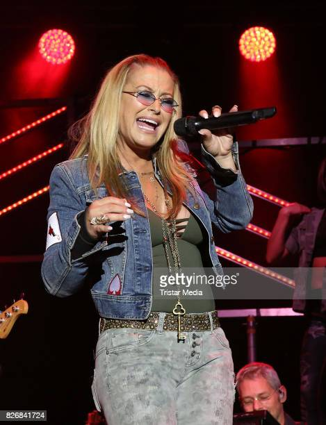 Anastacia performs at the NDRSummertour finals on August 5 2017 in Hamburg Germany