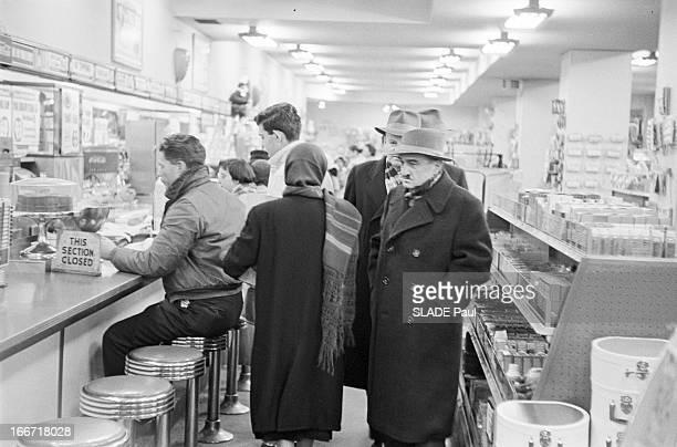 Anastase Mikoyan In Washington En janvier 1959 dans le cadre d'un voyage officiel aux Etats Unis le vice premier ministre de l'Union soviétique...