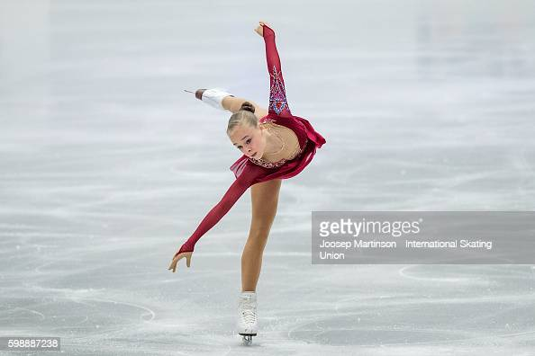 Анастасия Губанова - Страница 2 Anastasiia-gubanova-of-russia-competes-during-the-junior-ladies-free-picture-id598887238?s=594x594