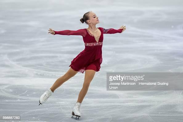 Анастасия Губанова - Страница 2 Anastasiia-gubanova-of-russia-competes-during-the-junior-ladies-free-picture-id598887260?s=594x594