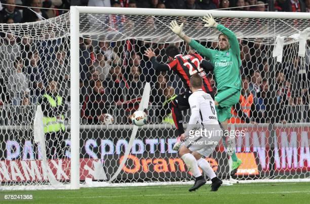 Anastasios Donis of OGC Nice scores a goal during the French Ligue 1 match between OGC Nice and Paris SaintGermain at Allianz Arena on April 30 2017...