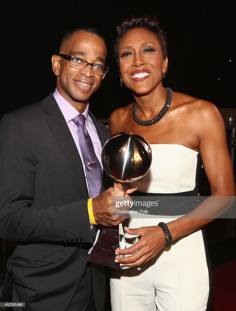 ESPN anchor <a gi-track='captionPersonalityLinkClicked' href=/galleries/search?phrase=Stuart+Scott+-+Sportscaster&family=editorial&specificpeople=553713 ng-click='$event.stopPropagation()'>Stuart Scott</a> (L) and Sports analyst <a gi-track='captionPersonalityLinkClicked' href=/galleries/search?phrase=Robin+Roberts+-+Television+Anchor&family=editorial&specificpeople=4439371 ng-click='$event.stopPropagation()'>Robin Roberts</a> attend The 2014 ESPYS at Nokia Theatre L.A. Live on July 16, 2014 in Los Angeles, California.