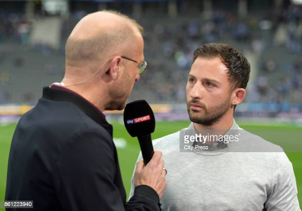 anchorman Patrick Wasserziehr and coach Domenico Tedesco of FC Schalke 04 before the game between Hertha BSC and Schalke 04 on october 14 2017 in...