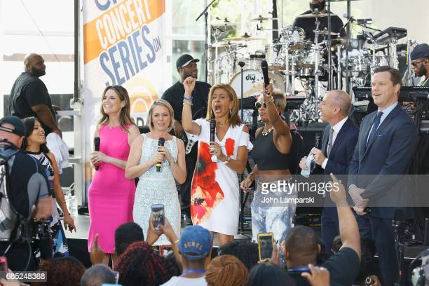 NBC anchors Chantelle Jones Savannah Guthrie Hoda Kotb Matt Lauer and Willie Geist join Mary J Blige as she performs on NBC's 'Today' at Rockefeller...