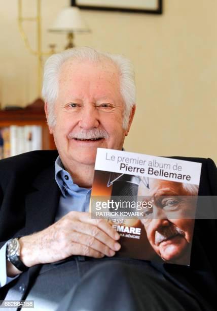 L'ancien animateur musicien producteur et auteur Pierre Bellemare pose avec son premier album le 25 octobre 2011 à son domicile à Neuilly...