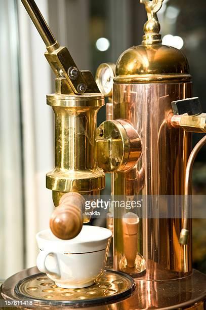 ancient coffee maschine - Kaffeemaschine aus Kupfer