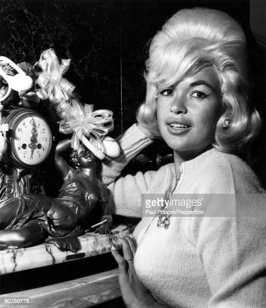 TV and Films 1950's USA US film actress Jayne Mansfield poses for the camera