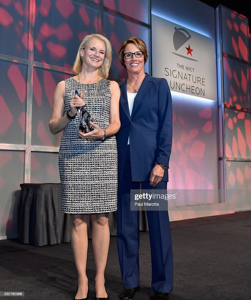 EVP and General Counsel for Comcast Cable Lynn Charytan receives the PAR Best Companies for Women in Cable Award from NBC Olympic Correspondent and...