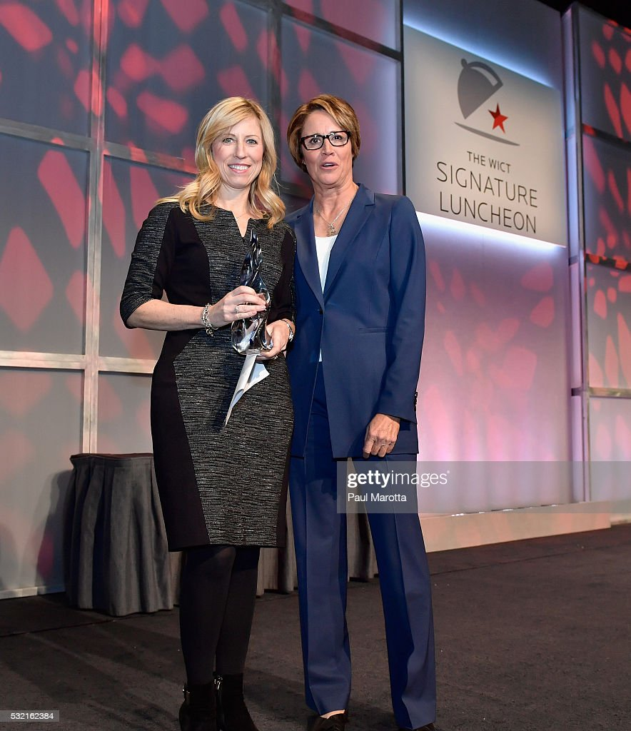 EVP and Global Chief Human Resources Officer Angela Santone receives the PAR Best Companies for Women in Cable Award from NBC Olympic Correspondent...