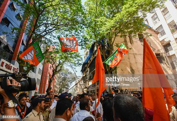 BJP and Shiv Sena supporters clash outside BJP office at Dadar on February 23 2017 in Mumbai India The BJP has won 82 of the councils 227 seats and...