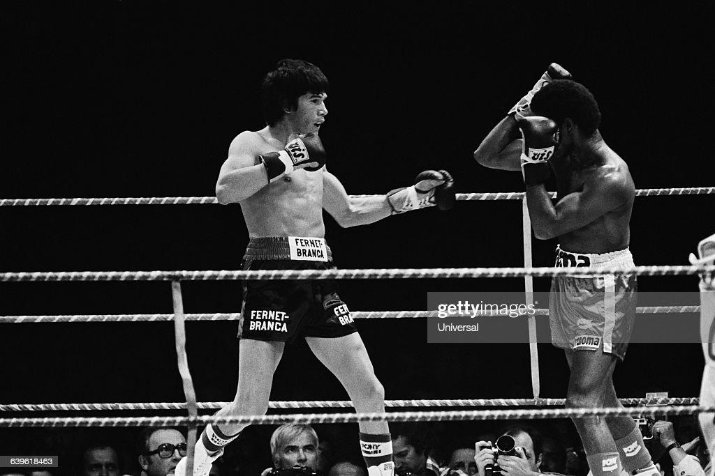 WBA and WBC middleweight title between Carlos Monzon and Rodrigo Valdez Monzon won on points