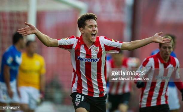 Ander Herrera of Athletic Club Bilbao celebrates after scoring his team's second goal during the La Liga match between Athletic Club Bilbao and UD...