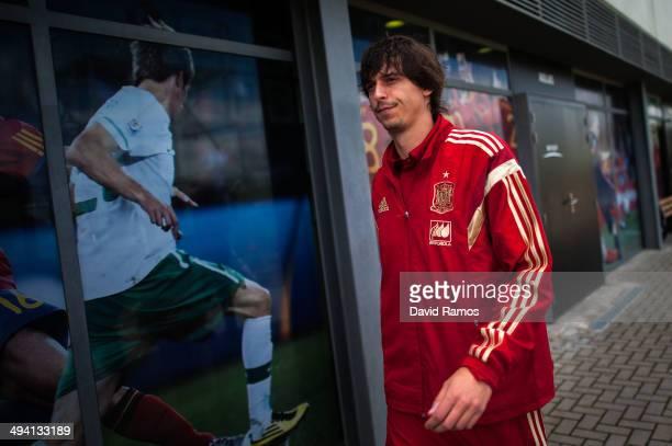 Ander Iturraspe of Spain arrives for a press conference at Ciudad del Futbol on May 28 2014 in Las Rozas de Madrid Spain
